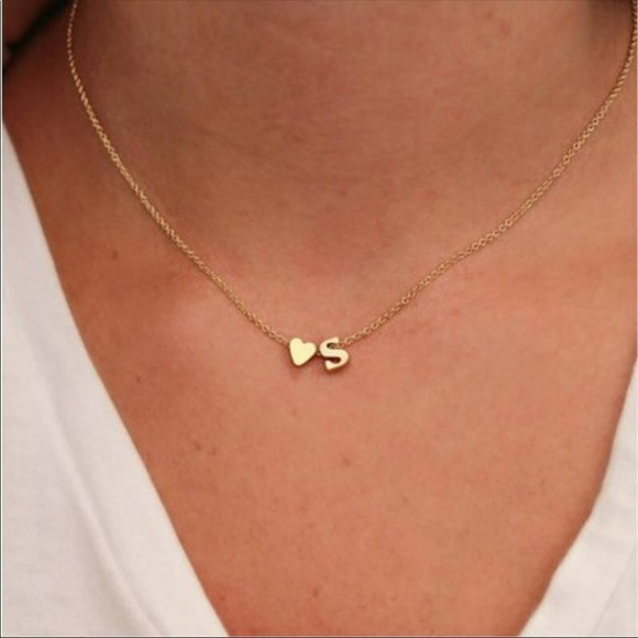 Jewelry - Initial and heart necklace gold